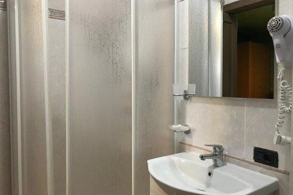 camera-con-bagno-privato-min